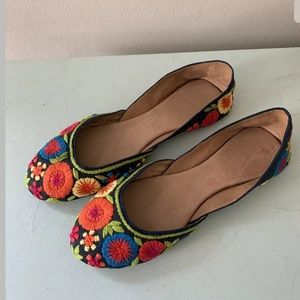 Star Mela Womens Embroidered Floral Flats 8* 8.5*